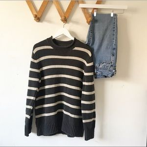 Vintage grey and cream knit crew neck sweater
